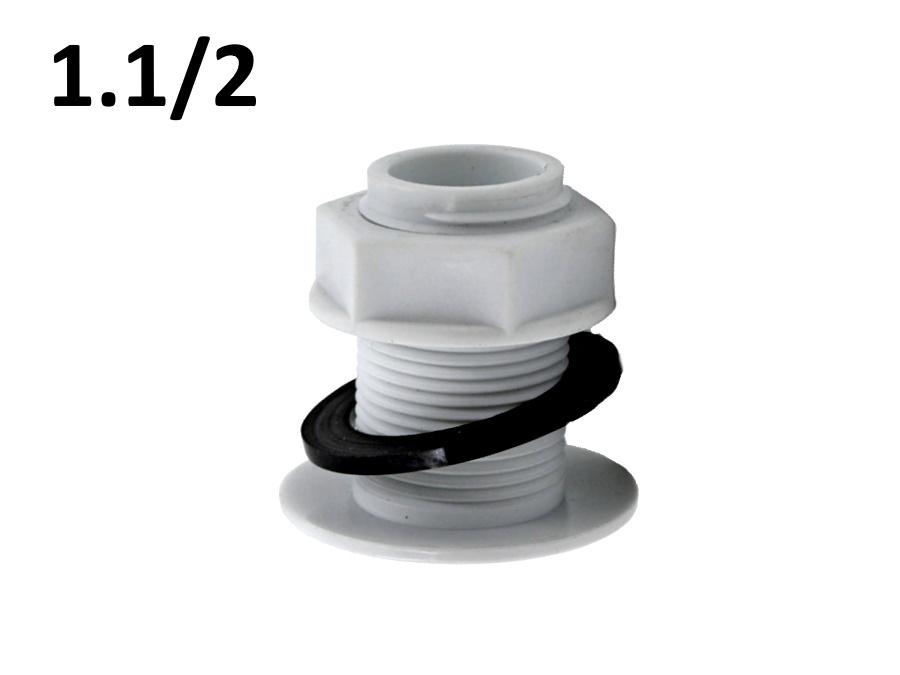 Врезка в бочку 1.1/2 пластиковая